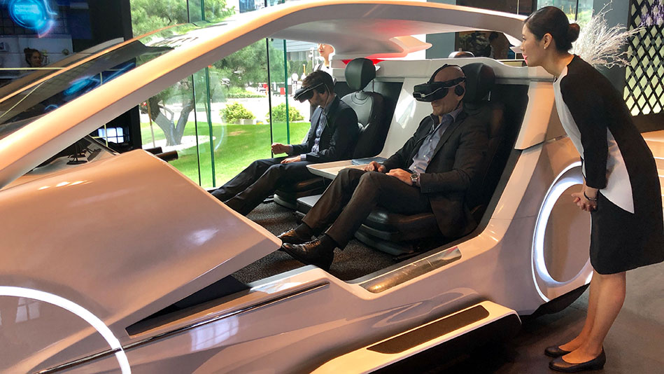 <p>The business delegation of Zurich meets Seoul, in which the UZH Faculty of Business, Economics and Informatics took part, visited various technology companies who presented their solutions and visions, including SK Telecom and the Samsung Medical Center. Pictured: Self-driving car. (Picture: Priska Feichter)</p>