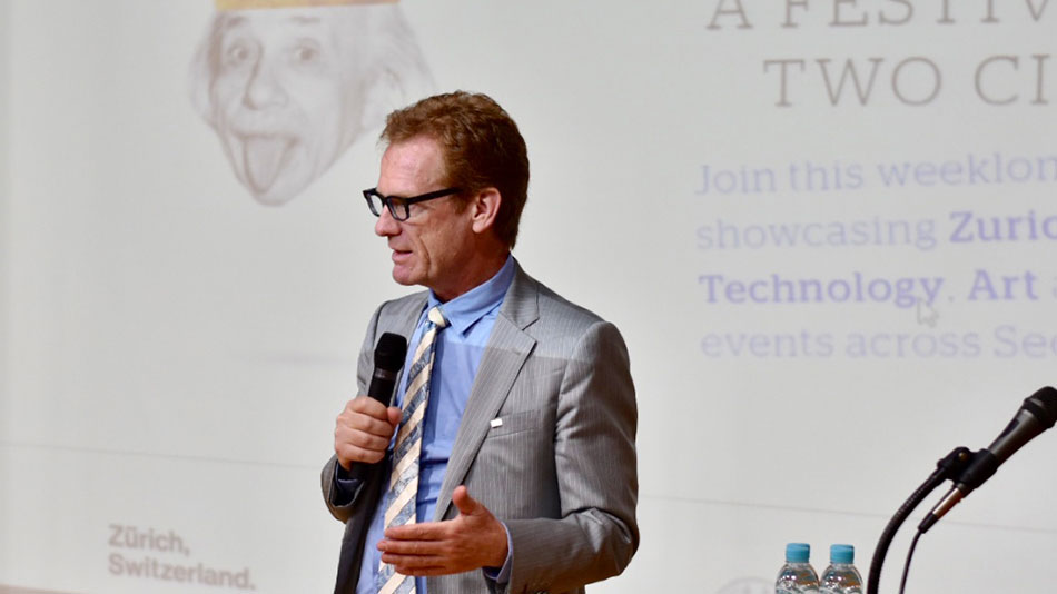 <p>Blockchains can serve not only as the basis for cryptocurrencies, but also, for example, to control supply chains, said Vice President Christian Schwarzenegger. (Picture: Priska Feichter)</p><p>&nbsp;</p>