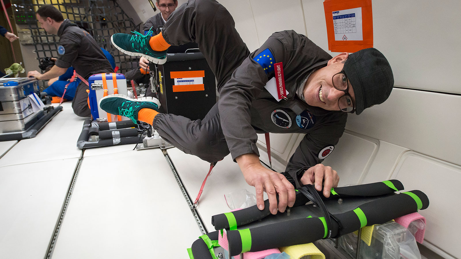 <p>UZH professor Max Gassmann investigates the effect of weightlessness on human cells on the Space Hub's second Swiss Parabolic Flight. (Picture: Regina Sablotny, UZH)</p>