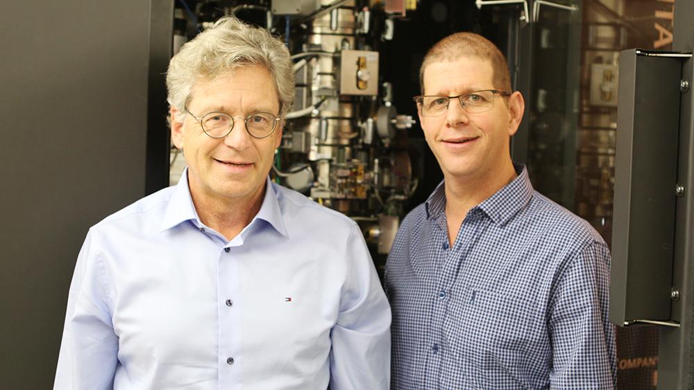 Die Biochemiker Andreas Plückthun und Ohad Medalia