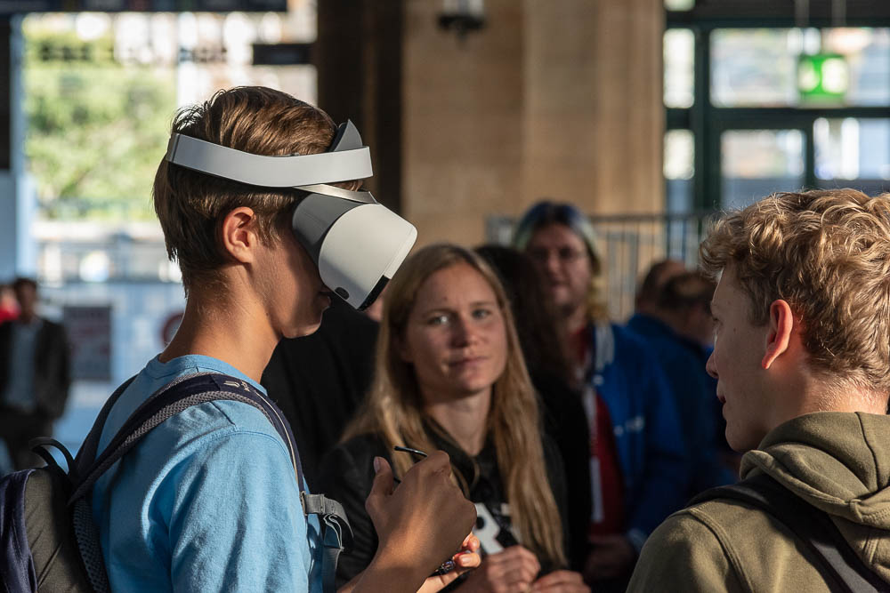 <p>Young people embrace a digital future.</p> (Image: Thomas Poppenwimmer)